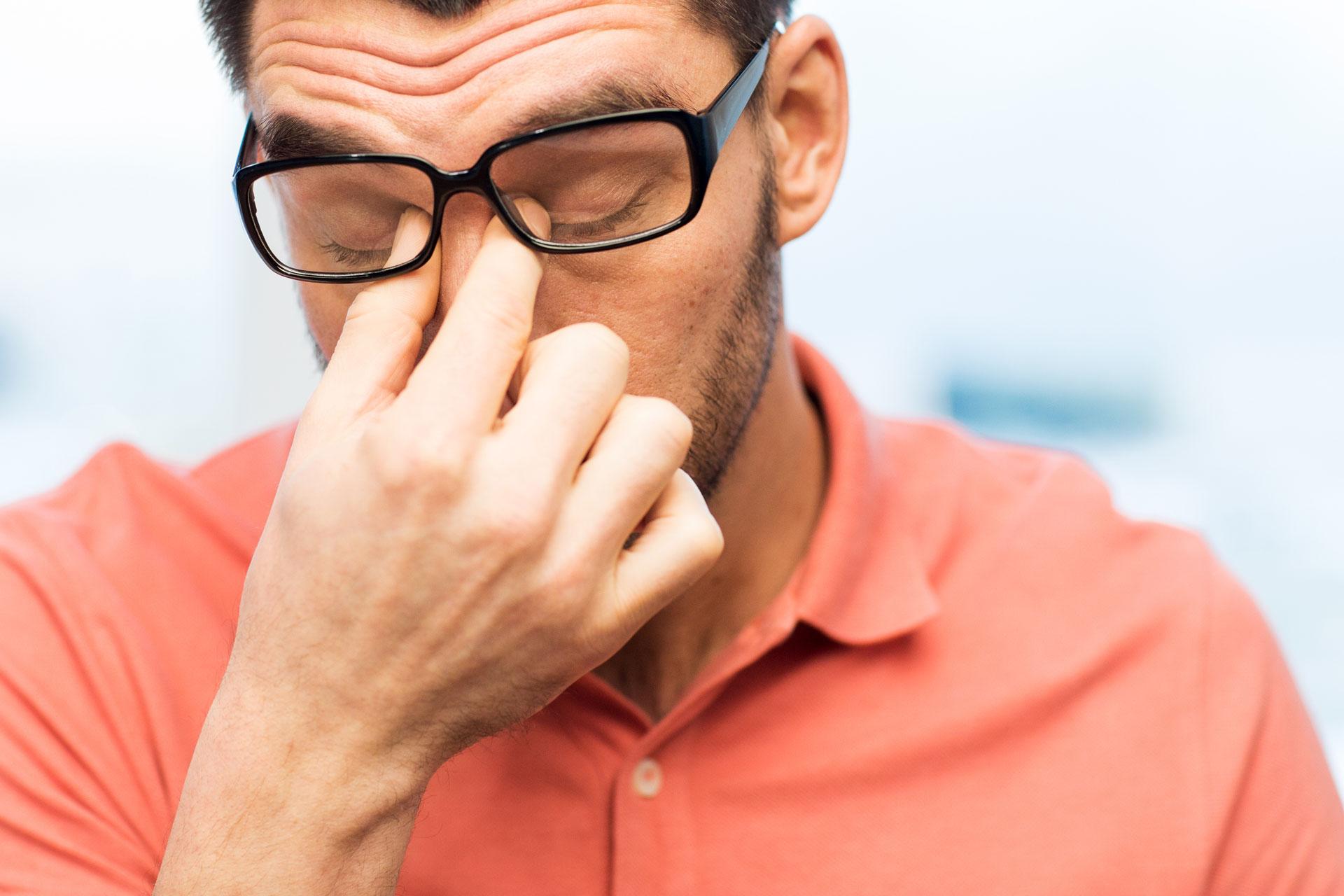 f58a691f118888 Als een bril te strak zit. De beste tips voor ontspannen zicht en de  perfecte pasvorm.